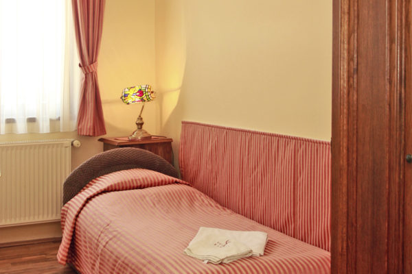 polgar-panzio-villany-standard-szoba-1